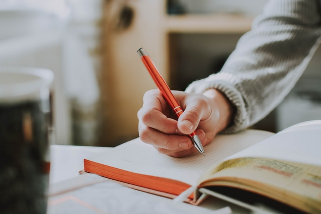 Andalucía | Cómo inscribir una novela en el Registro